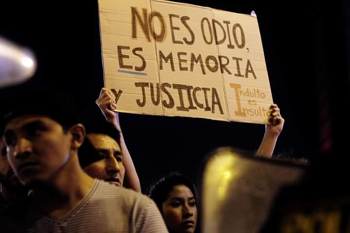 La sociedad de Peru escandaliza por el indulto del asesino de lesa humanidad que ordenor tirar ciudadanos desde aviones al Atlántico y dictador FUGIMORI
